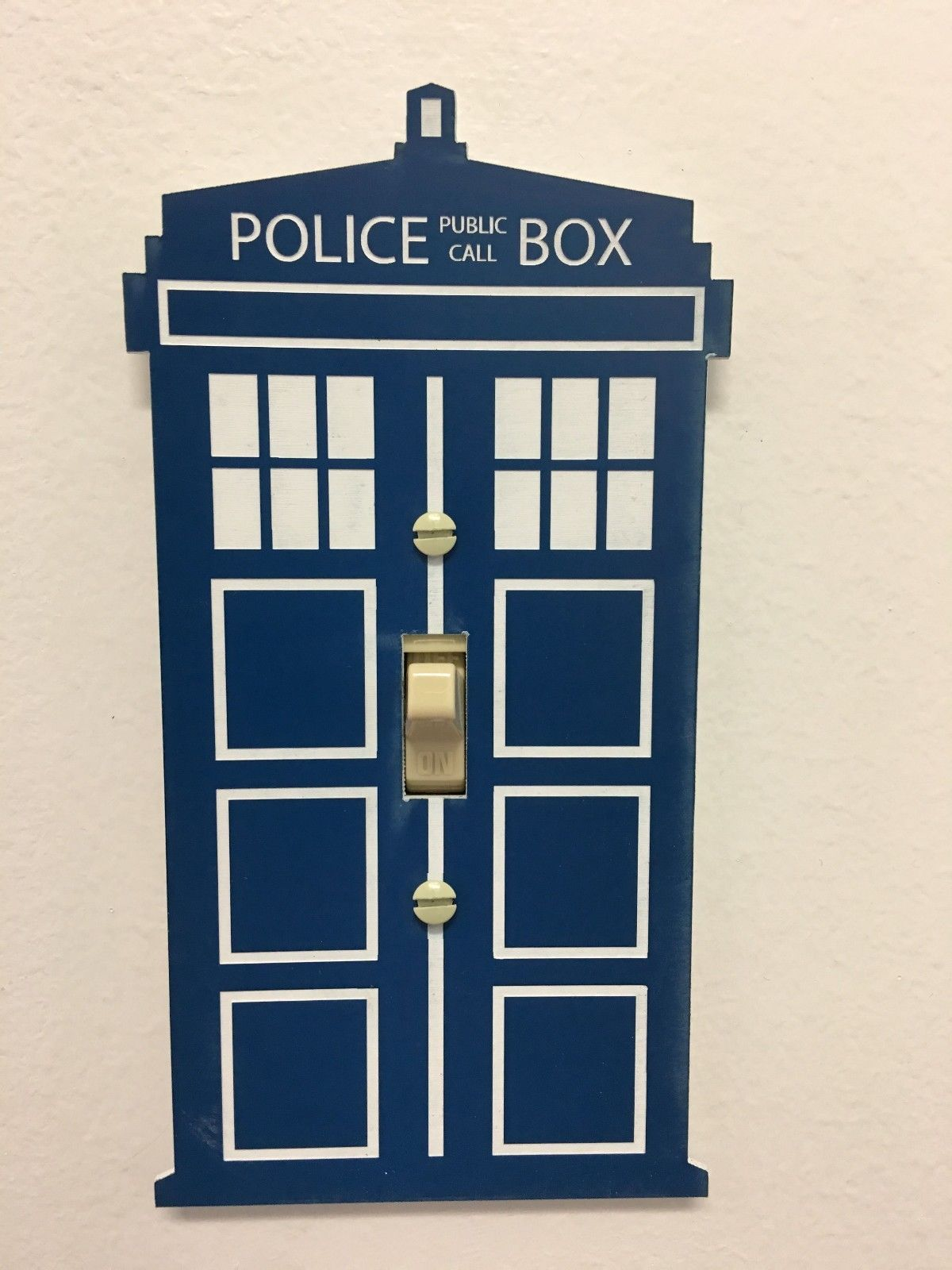 Doctor who tardis light switch cover maverick advantage for Tardis light switch cover